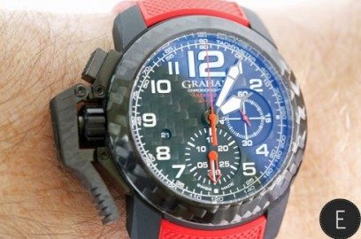 graham-chronofighter-oversize-superlight-carbon_8696_album.jpg