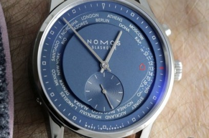nomos-glashuette-zurich-worldtimer-true-blue_8919_album.jpg
