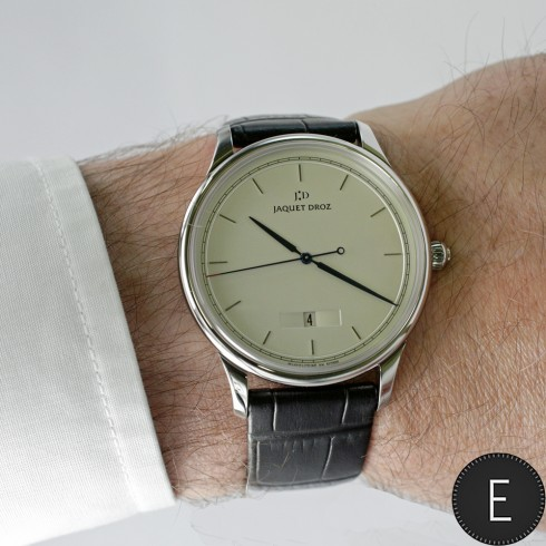 Jaquet Droz Grande Heure Minute Quantième Ref. J017530240 - watch review by ESCAPEMENT
