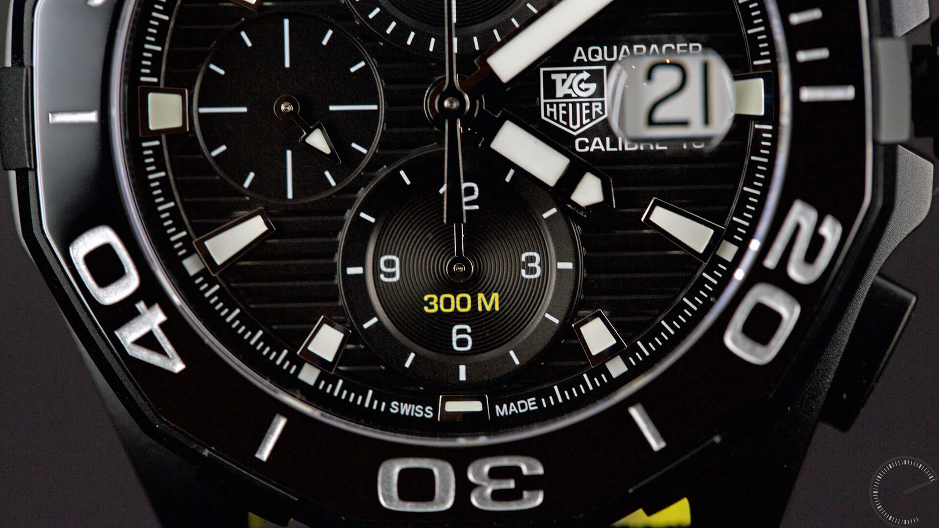 TAG_Heuer_Aquaracer_300m_(43mm)_Calibre_16_Automatic_Chronograph _Ceramic_Bezel_Black_Version_dial_detail - ESCAPEMENT MAGAZINE - watch reviews online by Angus Davies