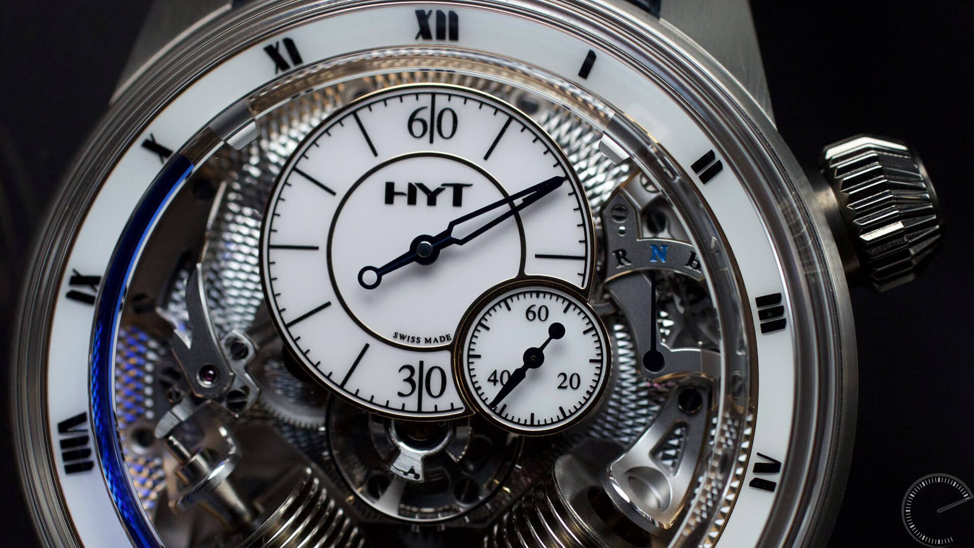 HYT_H2_Tradition_dial1- ESCAPEMENT Magazine - watch reviews by Angus Davies