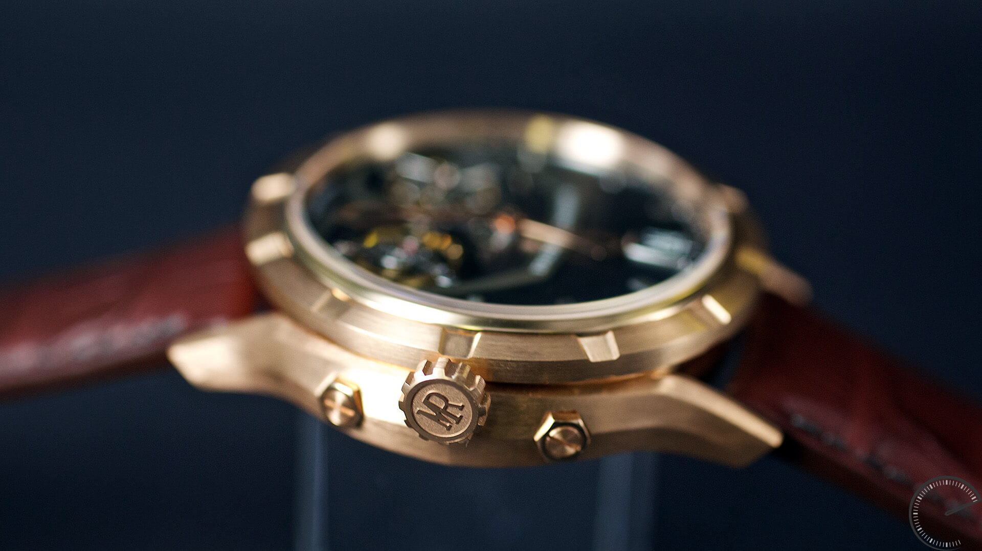 Manufacture Royale 1770 Micromegas_crown - ESCAPEMENT magazine - watch blog by Angus Davies