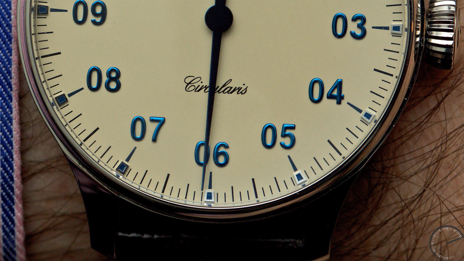 MeisterSinger_Circularis_Ivory_dial_Ref._CC303_dial2 - ESCAPEMENT Magazine - watch reviews by Angus Davies