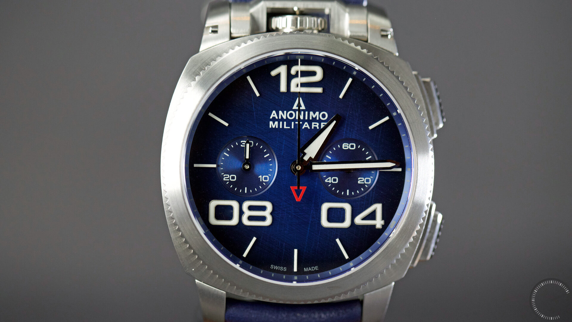 Anonimo_Militaire_Classic_Chrono_blue_dial_case2 - ESCAPEMENT magazine - watch reviews by Angus Davies