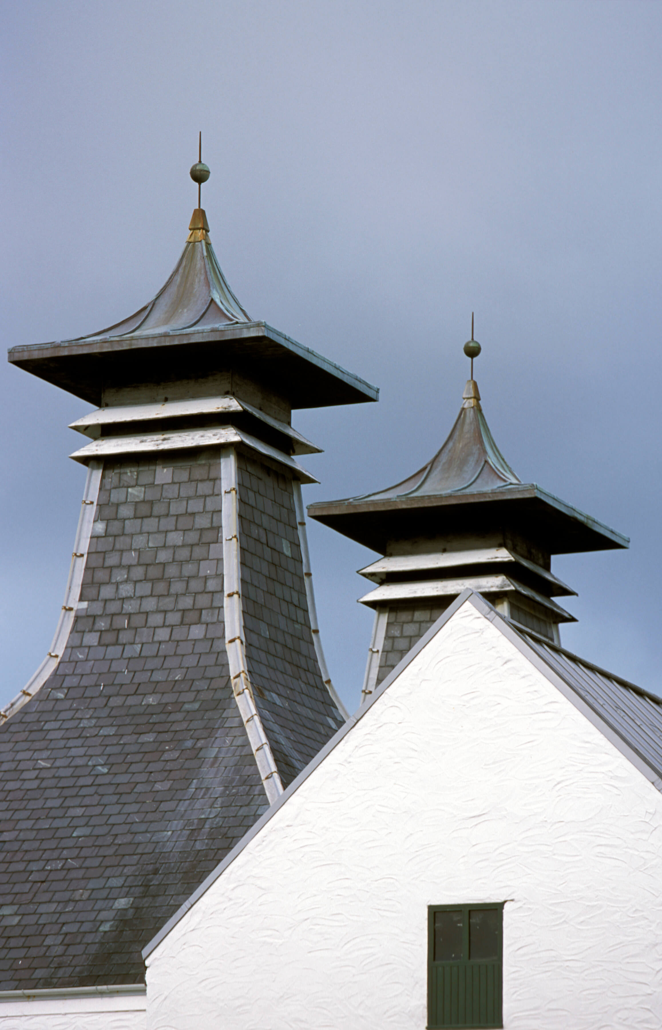 Lagavulin roof - ESCAPEMENT MAGAZINE - The Finer Things in Life - whisky editorial by Philip Day