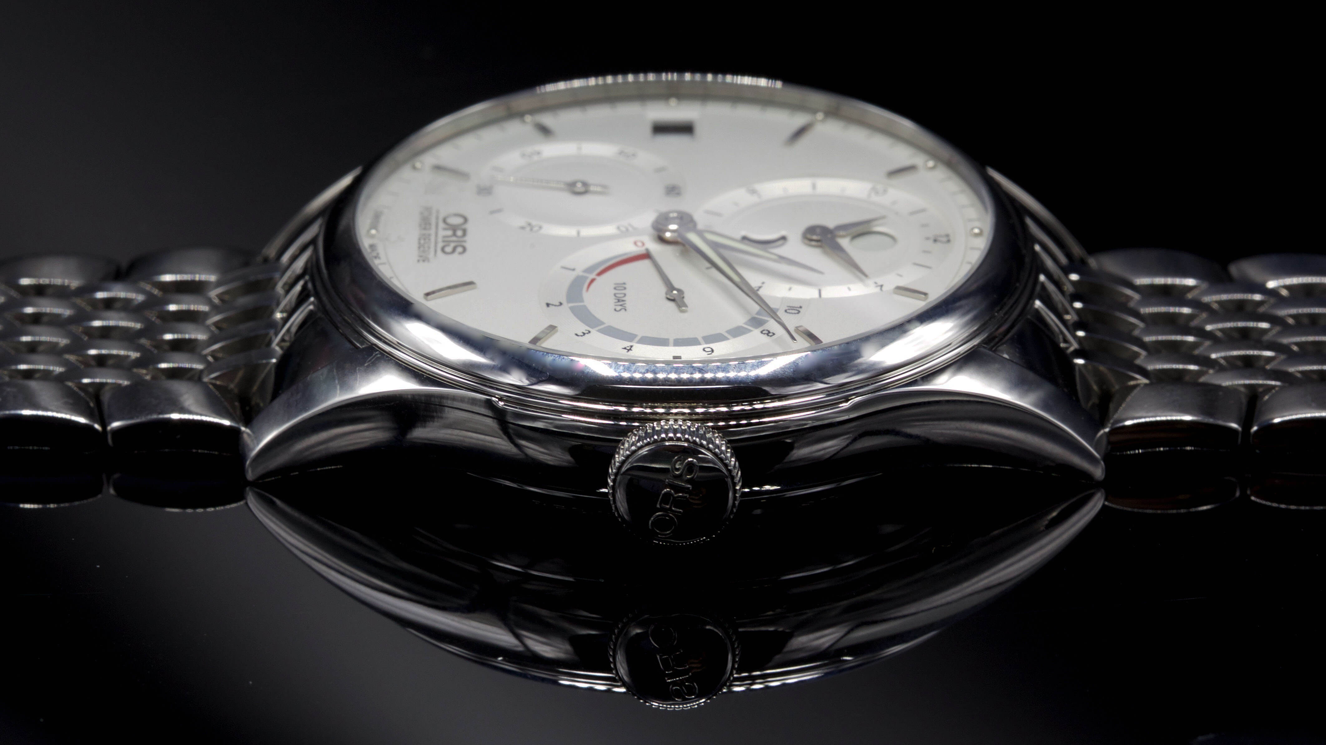 Oris_Artelier_Calibre_112_caseband1 - ESCAPEMENT MAGAZINE - watch reviews by Angus Davies