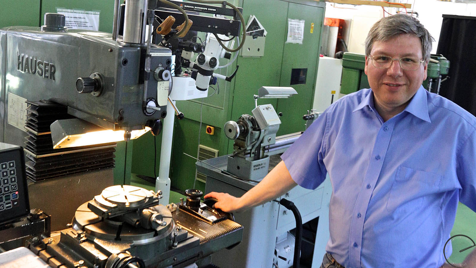 Image of Andreas Strehler in his workshop