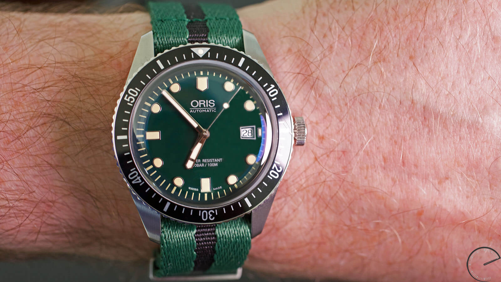 Image of Oris Divers Sixty-Five Green Dial - divers' watch