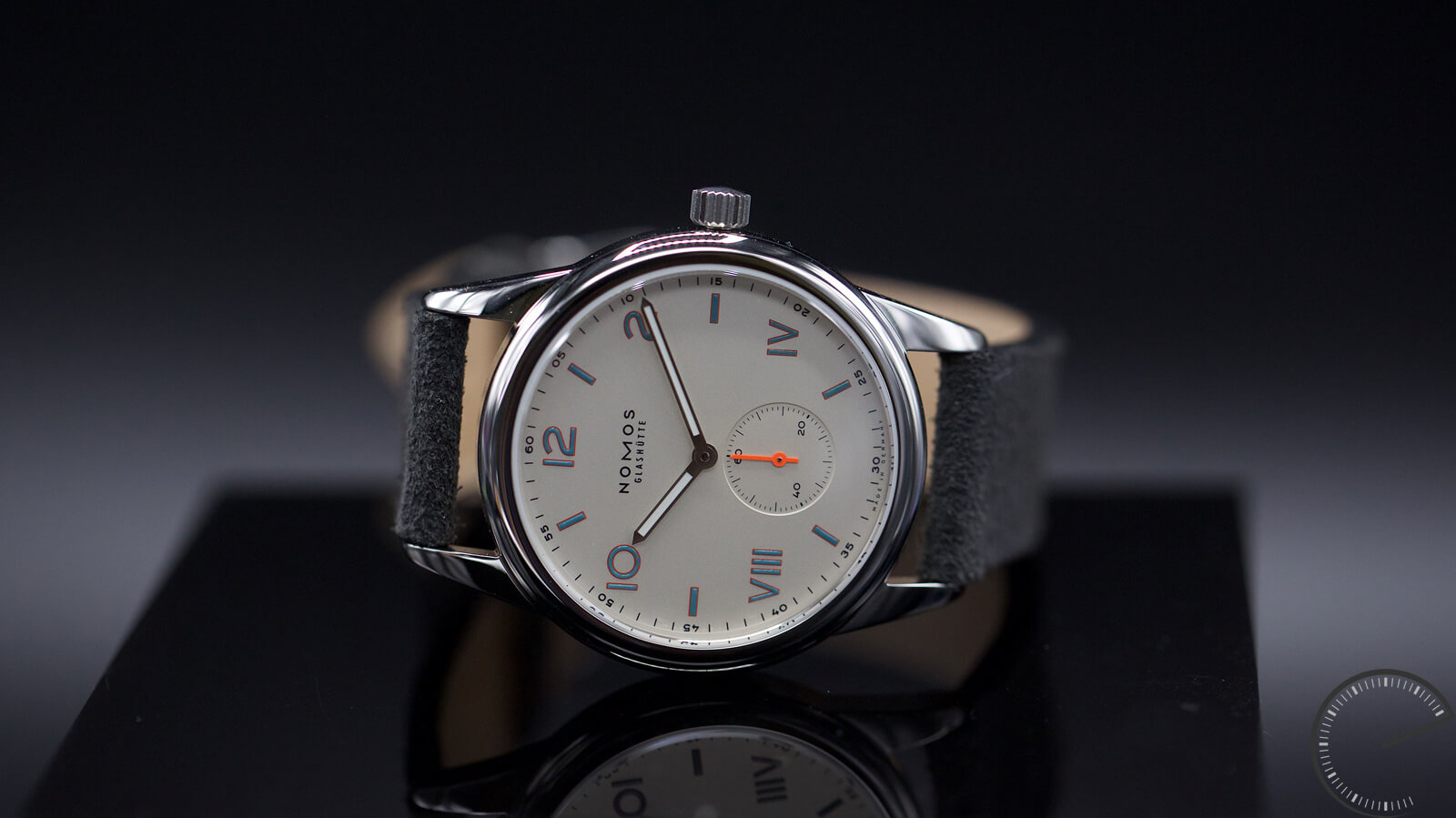 NOMOS Glashutte Club Campus