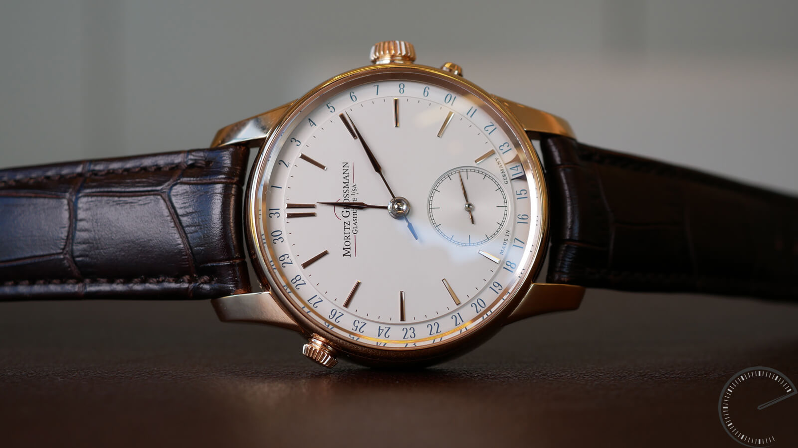 Moritz Grossman ATUM date - timepiece equipped with engraved balance cock