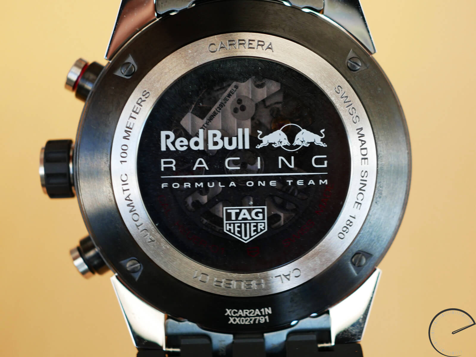 tag heuer carrera heuer 01 red bull racing special edition. Black Bedroom Furniture Sets. Home Design Ideas
