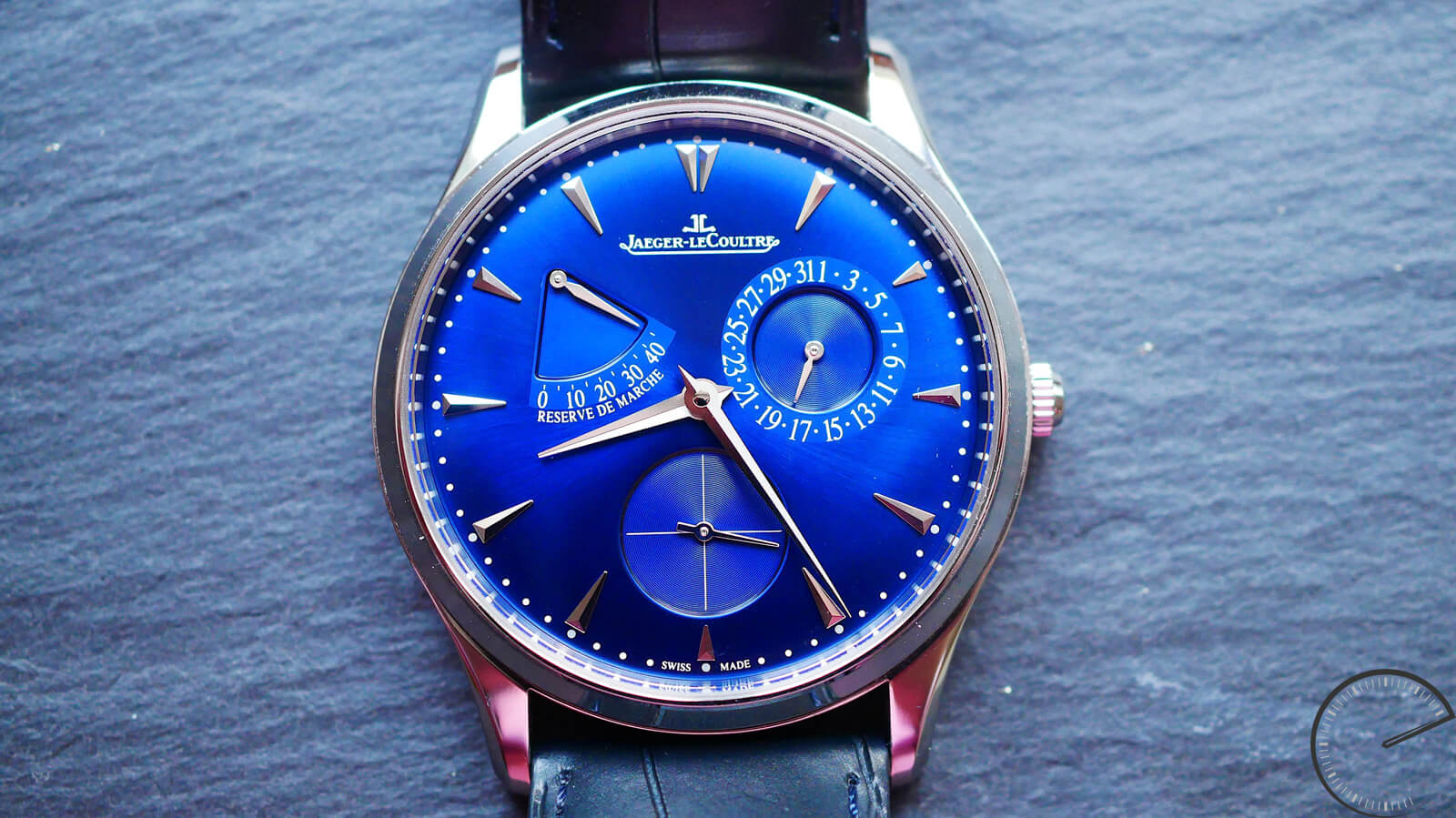 Jaeger-LeCoultre Master Ultra Thin Réserve de Marche - ultra-thin watch with power-reserve display
