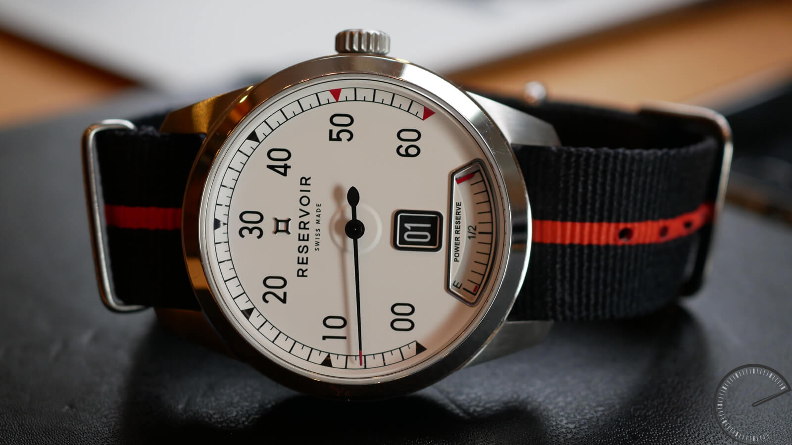 Reservoir Supercharged Classic - watch with jumping hours, retrograde minutes and power reserve indicator