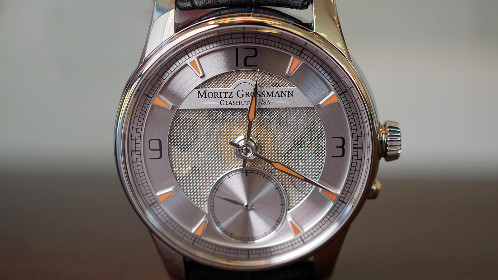 Moritz Grossmann ATUM Pure M with hand-wound movement and mesh dial