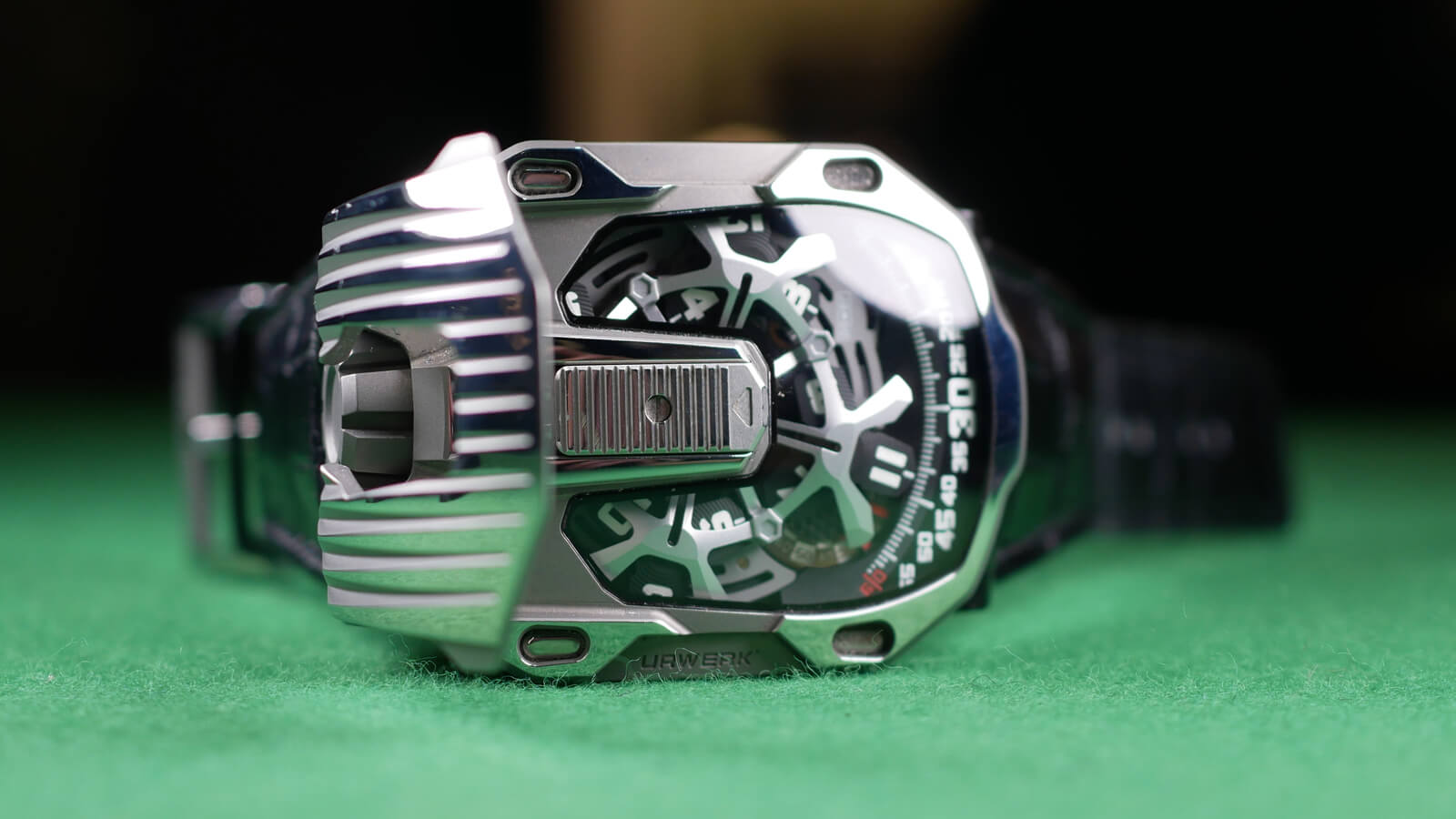 Urwerk UR-105 CT Streamliner - watch featuring wandering hours, minutes, digital seconds and power reserve