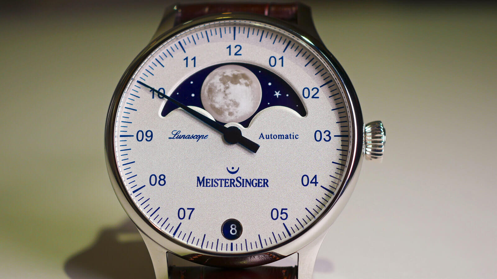 MeisterSinger Lunascope - single-hand watch with large moon-phase display