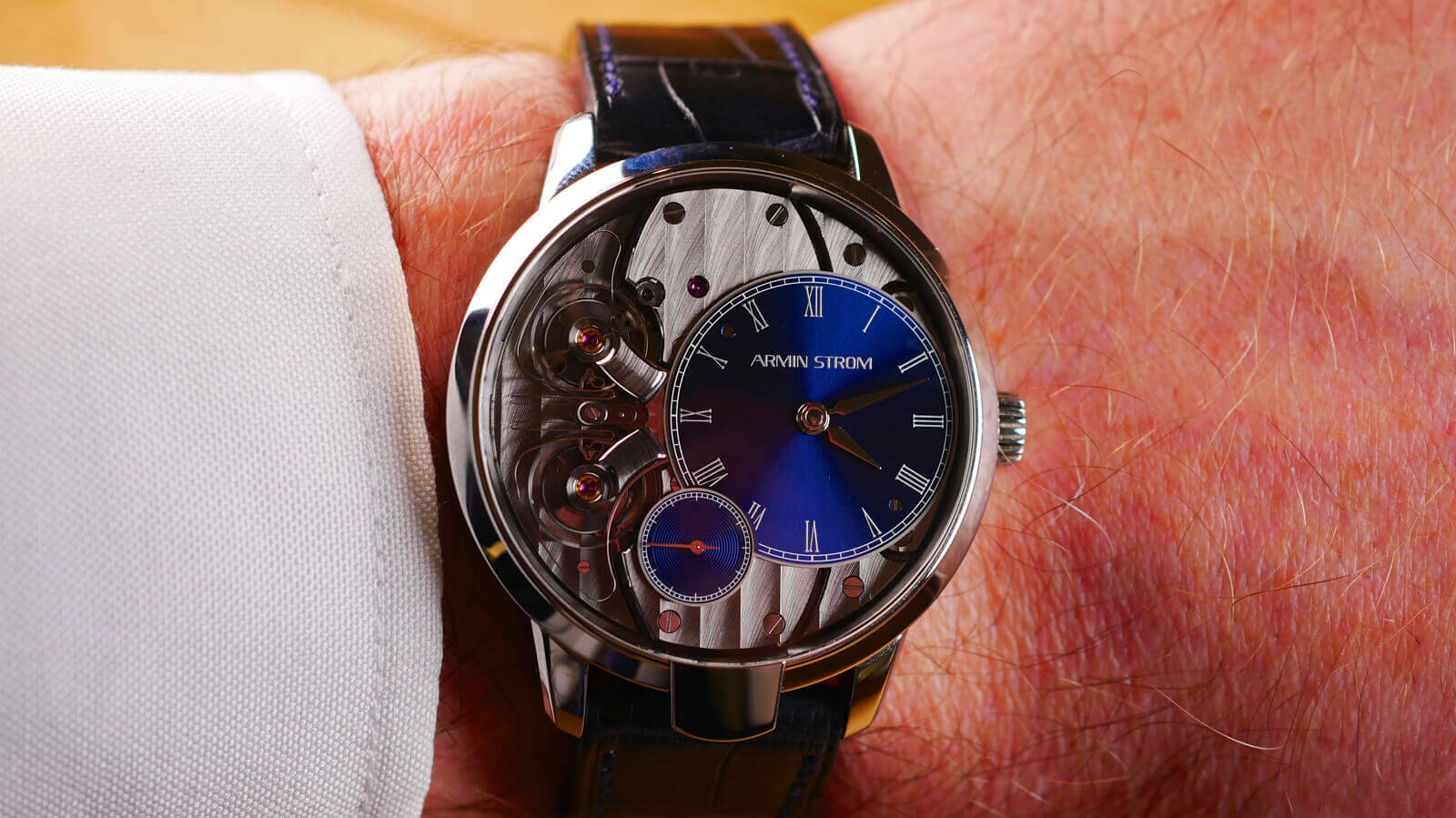 Armin Strom Pure Resonance - hand-wound watch with two balance springs and a resonance clutch spring